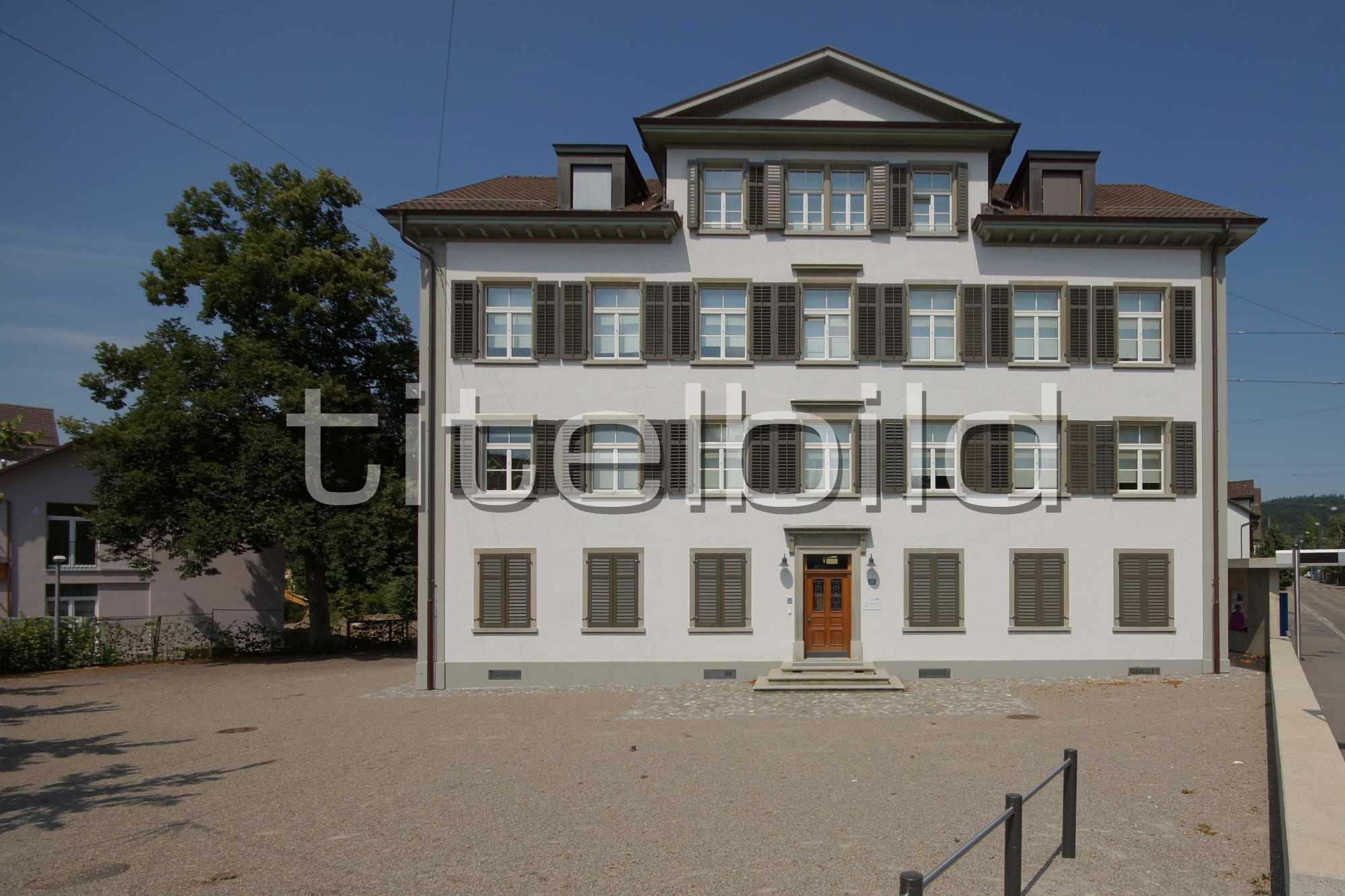 Projektbild-Nr. 4: Schulhaus Dorf