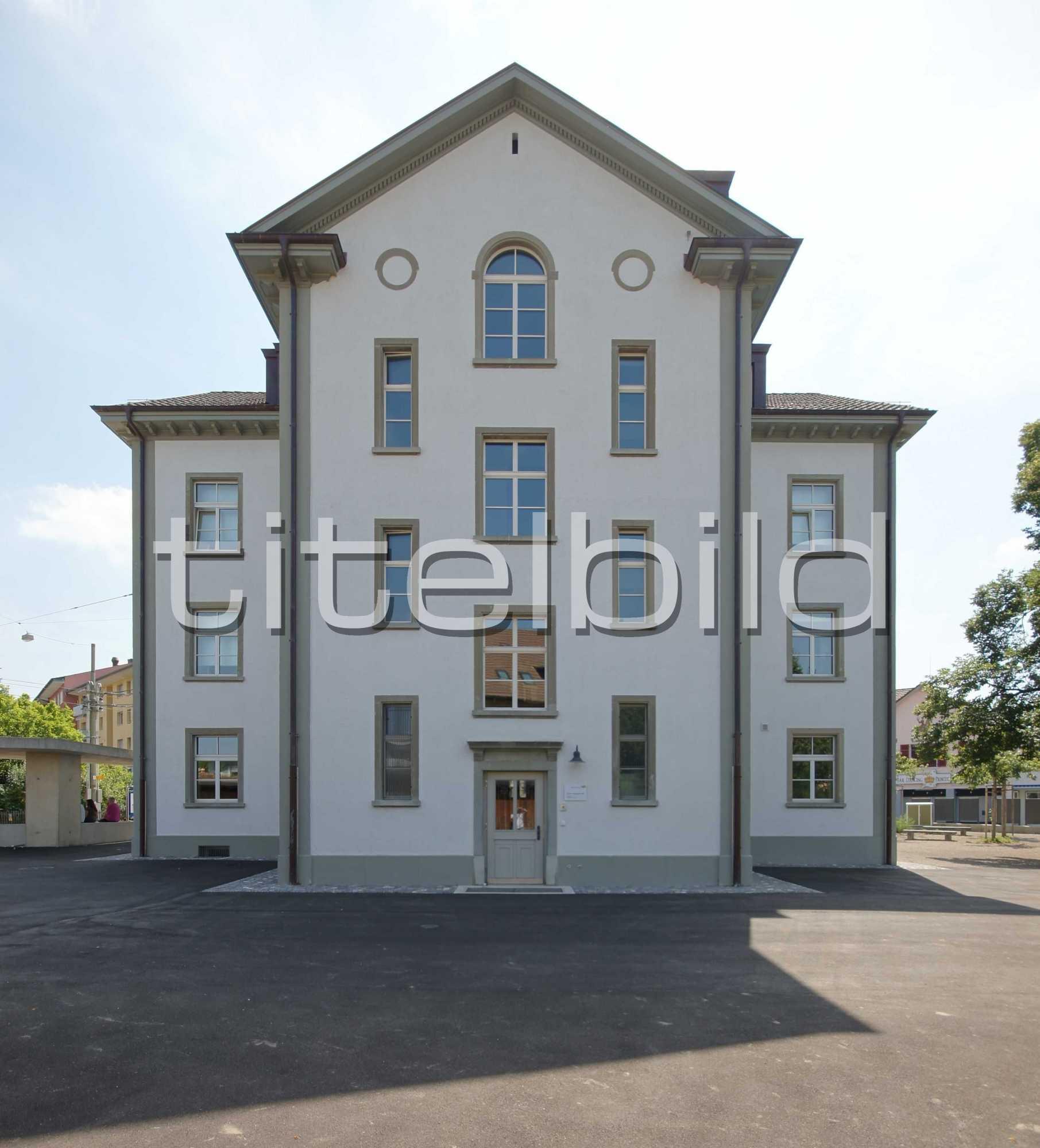 Projektbild-Nr. 6: Schulhaus Dorf