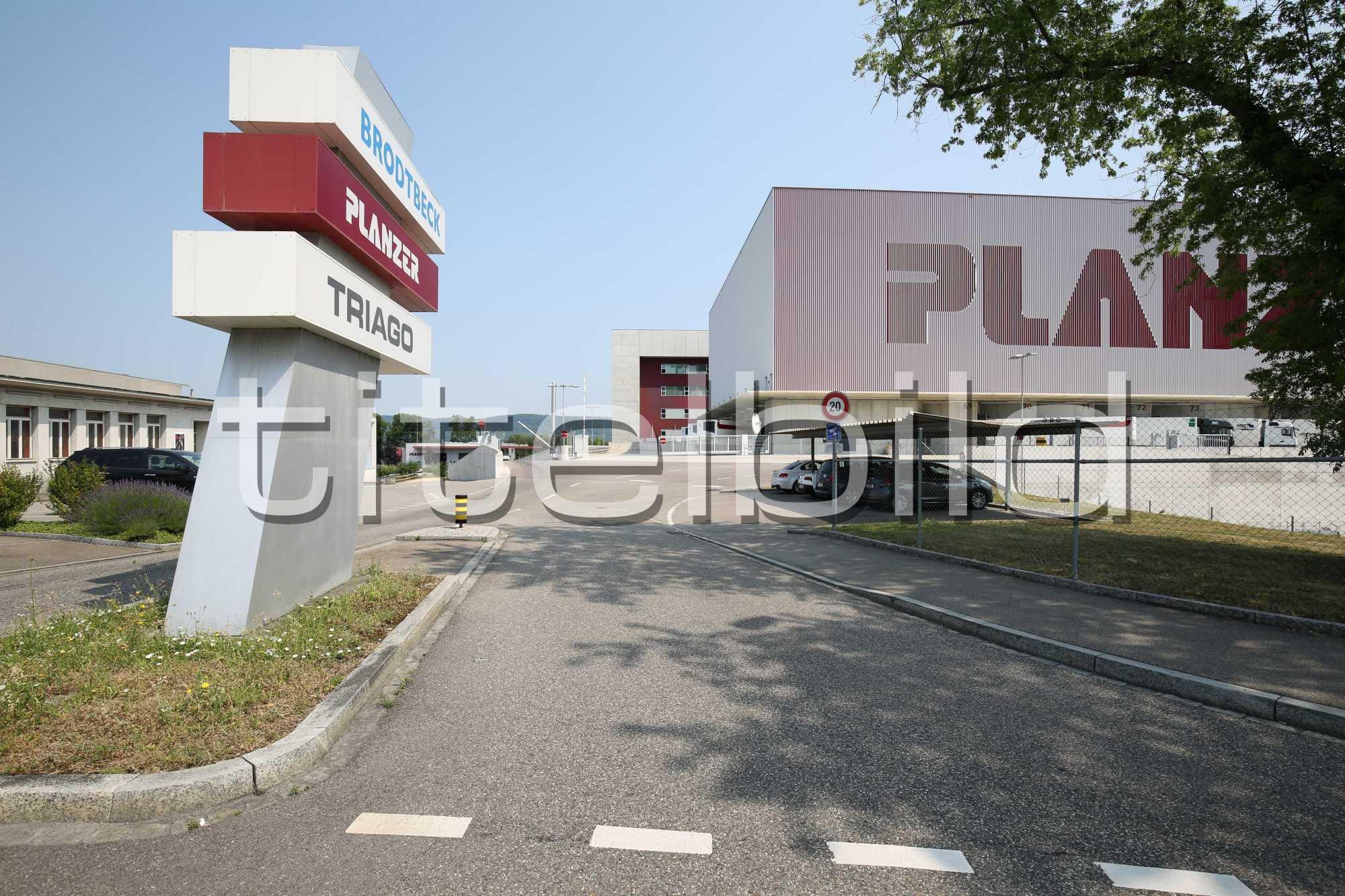 Projektbild-Nr. 1: Logistikcenter Planzer Transport AG