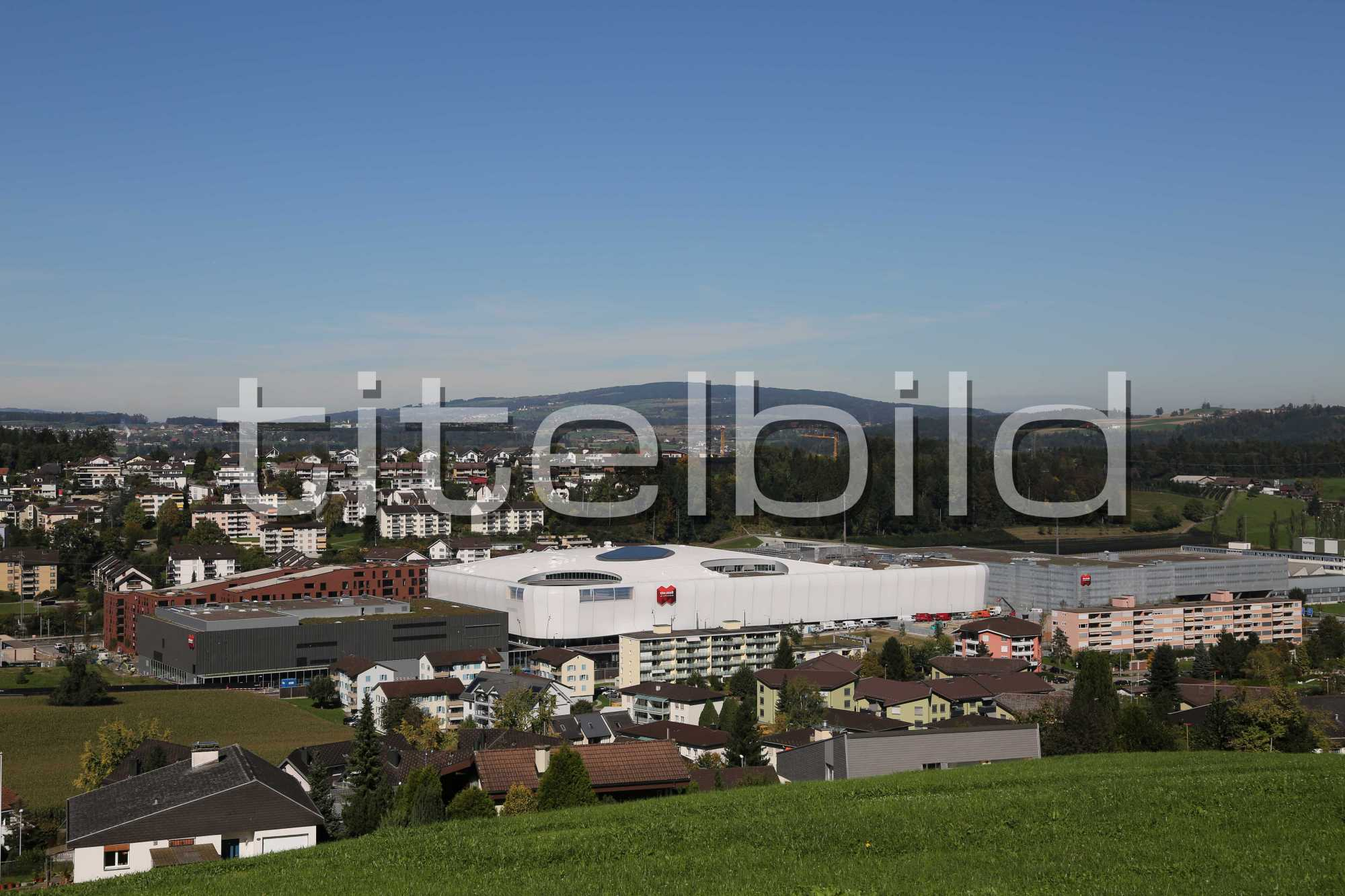 online store cccc1 fb676 Objektbilder: Mall of Switzerland, Jack + Jones / Vero Moda ...